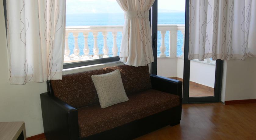 Apollon Hotel Go To Albania (2)