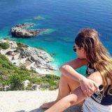 How is this beauty possible at all in the world? Come to Albania and SEE Приезжайте любоваться на безгранично красивое море на курортах Албании  #gotoalbania #himara #dhermi #saranda #albanianriviera #adriaticsea #ionicsea #beauty #natureofalbania #rivierabus #курортыалбании #пляжиалбании #дерми #химара