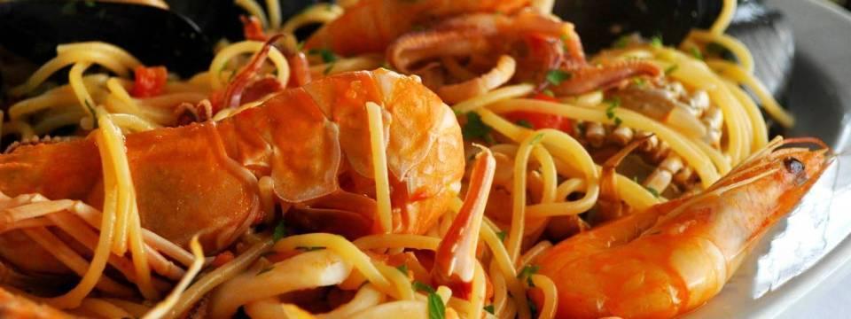 Изысканная кухня с обилием морепродуктов